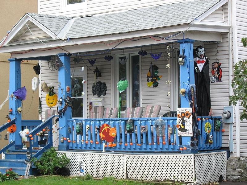 Украсить дом для хэллоуина