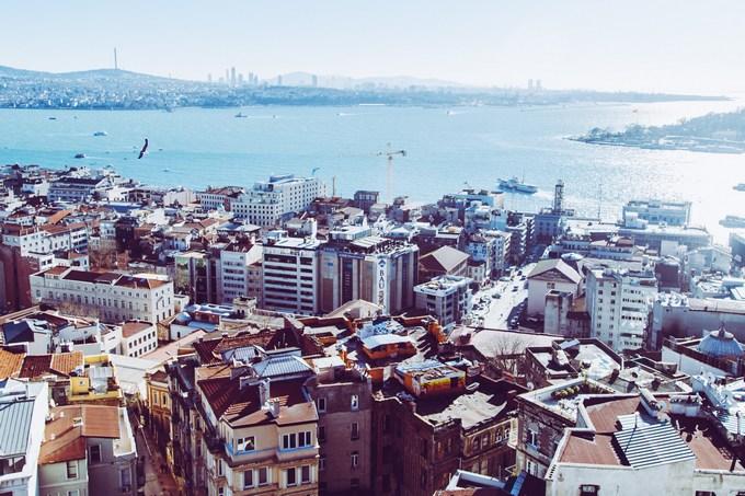Работа в Турции для русских и иностранцев