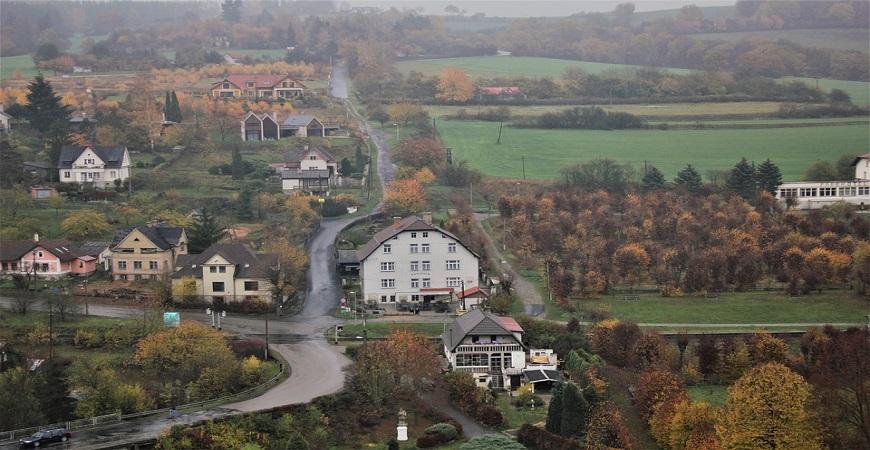 Чехия, пригородная недвижимость, недвижимость в испании
